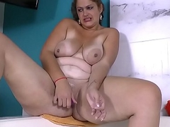 Latina BBW milf Sandra needs to freeze someone out in lave