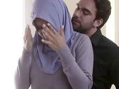 FBI bureaucrat fucks curvy Arab wife right in the irritant