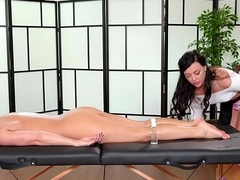 Stressed-out women visits the Spa - Lady's maid Mac and Whitney Wright