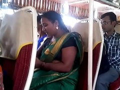 Aunty in bus.. blouse teat visible... Watch carefully 1