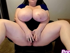 Chunky Titted Playgirl Enjoys Large Dildo